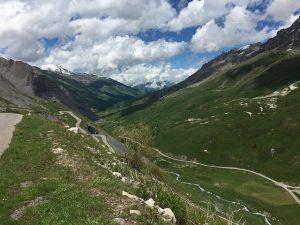 The road descends towards Valloire