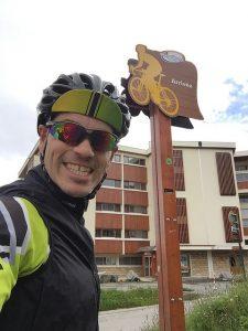 The modest sign at the Alpe d'Huez Tour de France finish line